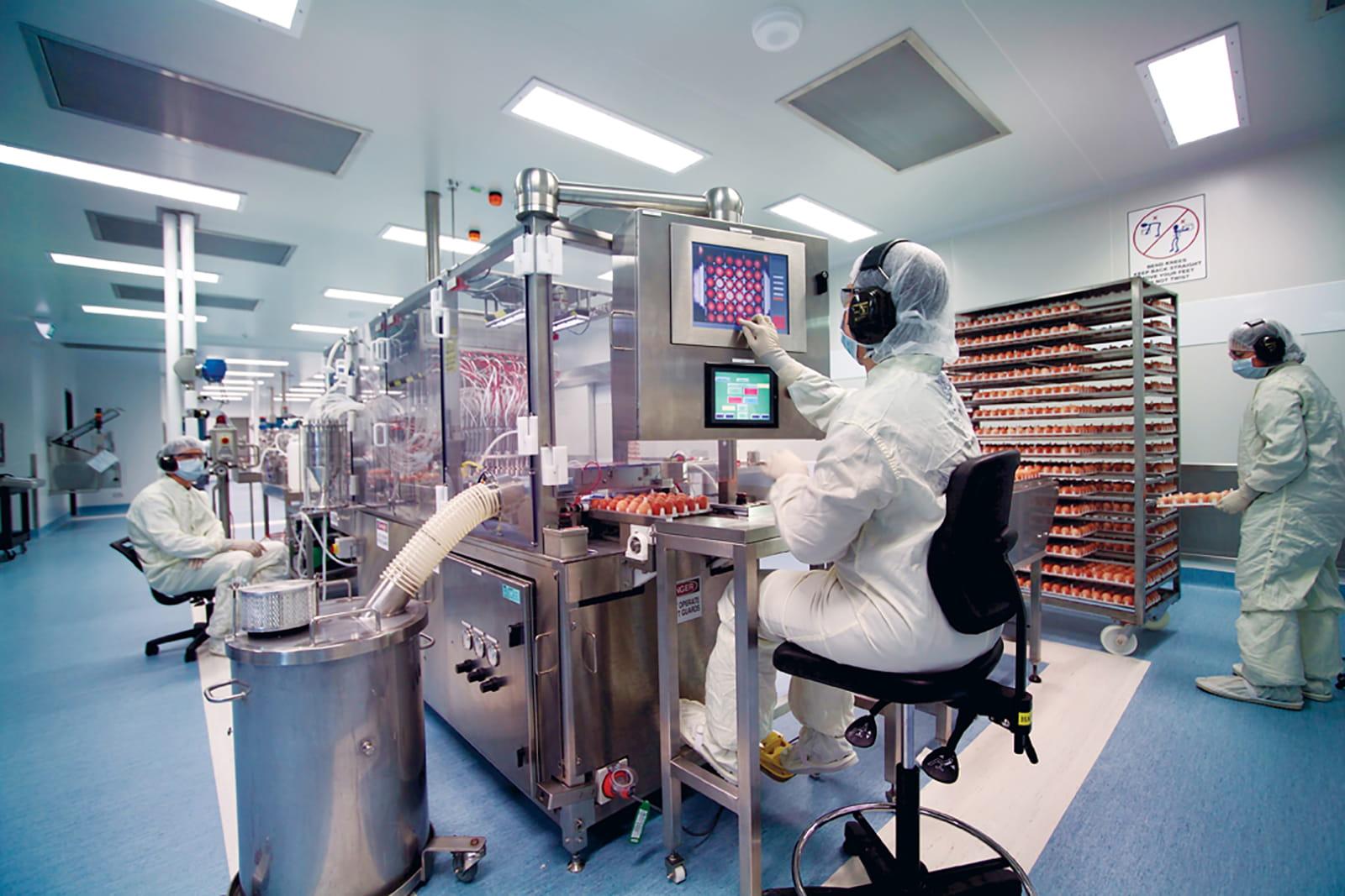 Ricercatore in un laboratorio