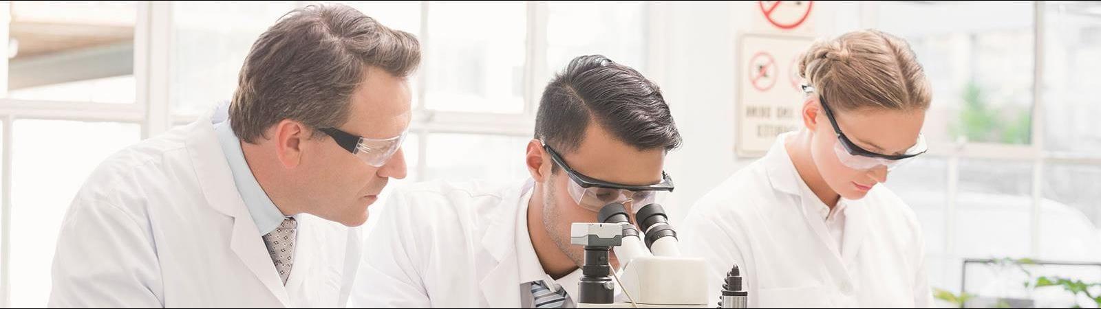 Tre ricercatori
